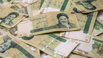 Why Is Iran's Exchange Rate Falling After the Lifting of Sanctions?